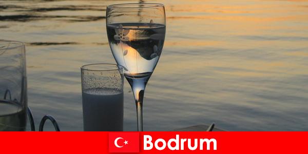 W Turcji Bodrum dyskoteki i bary dla młodych turystów