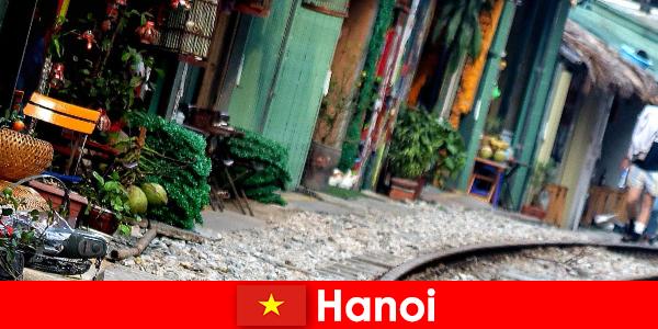 Hanoi to fascynująca stolica Wietnamu z wąskimi uliczkami i tramwajami