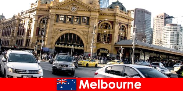 Największy targ na świeżym powietrzu w Melbourne na półkuli południowej, miejsce spotkań nieznajomych