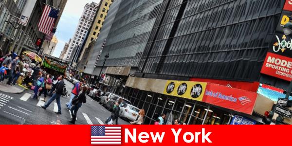 Rzeźby spacerowe to jedna z nowych atrakcji Nowego Jorku