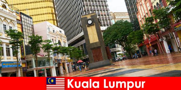 Kuala Lumpur to kulturalne i gospodarcze centrum największego obszaru metropolitalnego Malezji