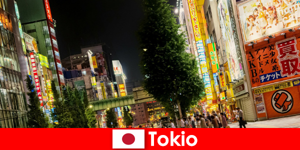 Nowoczesne budynki i stare świątynie czynią Tokio niezapomnianym dla obcokrajowców