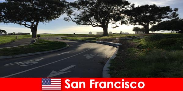 Wycieczka eksploracyjna dla obcokrajowców rowerem w San Francisco w Stanach Zjednoczonych