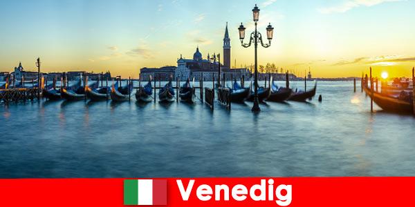 Wymarzony miesiąc miodowy dla par w pływającym mieście Wenecja Włochy