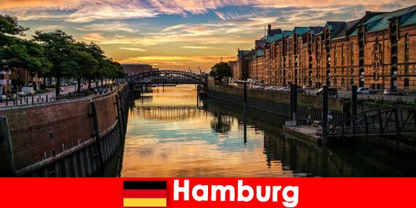 Piękno architektury i rozrywka na krótkie wakacje w Hamburgu w Niemczech