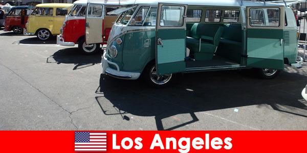Cudzoziemcy wynajmują tanie samochody w Los Angeles Stany Zjednoczone na zwiedzanie