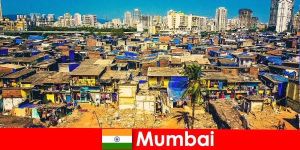 W Bombaju w Indiach podróżni doświadczają kontrastów tego wspaniałego miasta