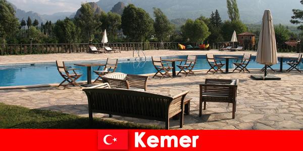 Tanie loty, hotele i wynajem domów do Kemer Turcja dla wczasowiczów z rodziną