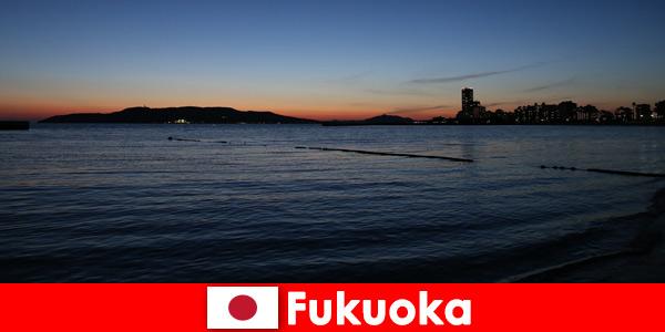 Regionalna wycieczka grupowa po pięknym mieście Fukuoka w Japonii