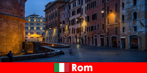 Krótka wycieczka dla turystów jesienią do Rzymu Włochy do najpiękniejszych zabytków