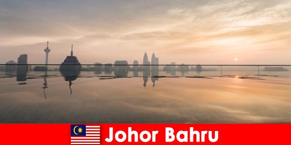 Rezerwacje hoteli dla wczasowiczów w Johor Bahru Malezja zawsze rezerwują w centrum miasta
